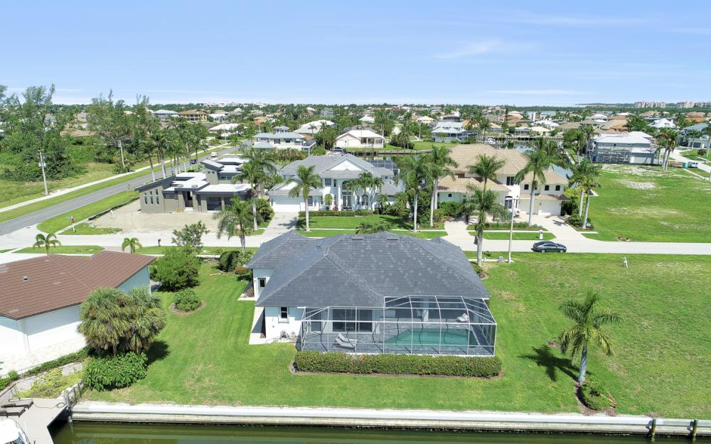 609 Crescent St, Marco Island  - Home For Sale 1955855359