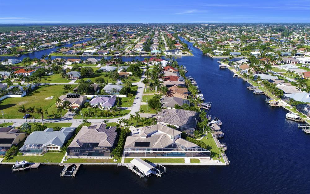 2502 SW 52nd Ln, Cape Coral - Home For Sale 424767268