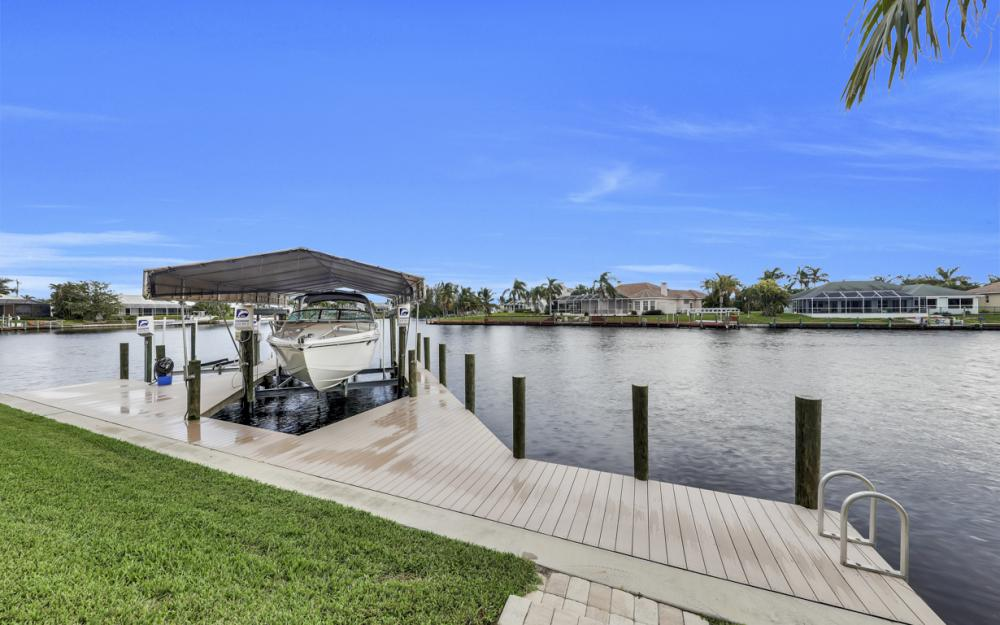 2502 SW 52nd Ln, Cape Coral - Home For Sale 1982652407