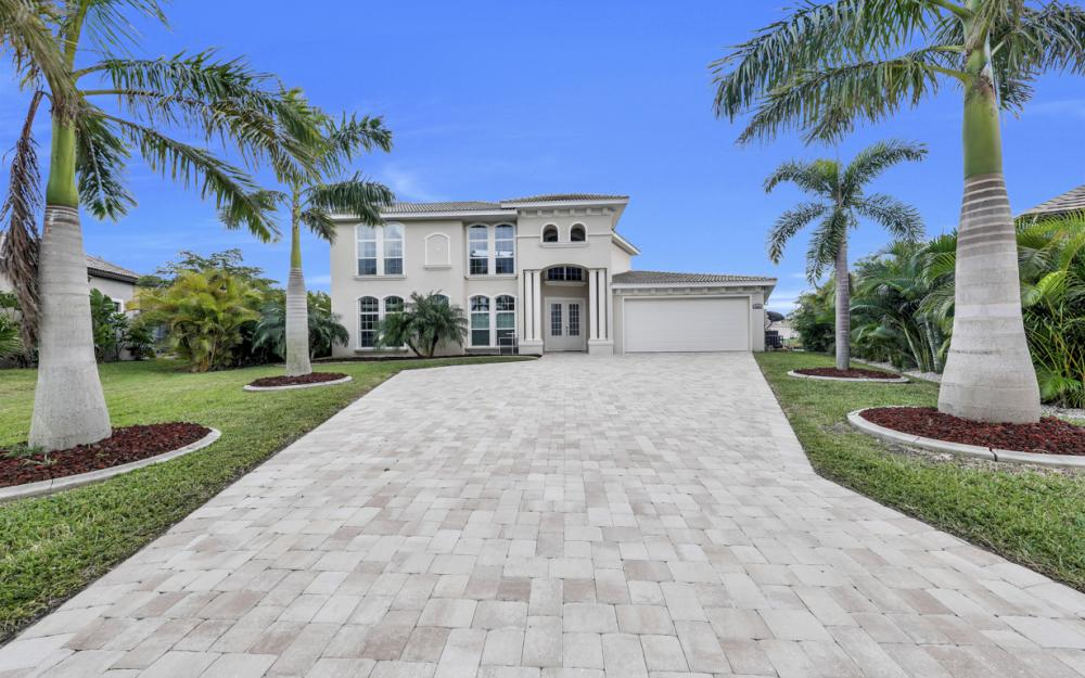2502 SW 52nd Ln, Cape Coral - Home For Sale 1302682760