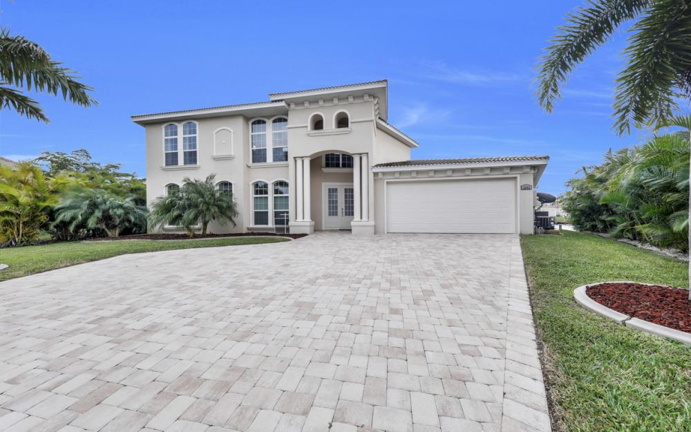 2502 SW 52nd Ln, Cape Coral - Home For Sale 720798186