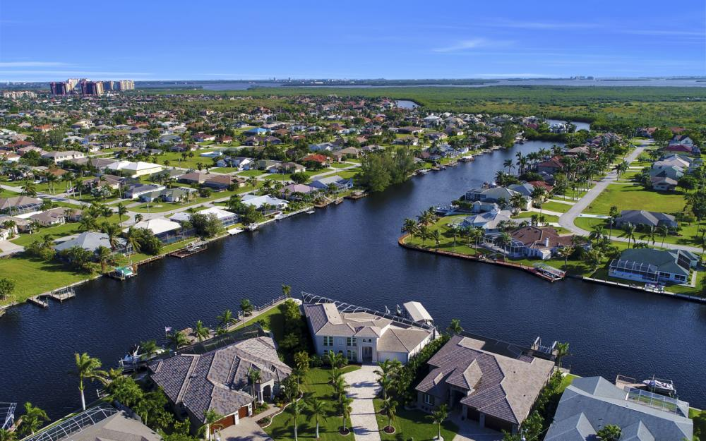 2502 SW 52nd Ln, Cape Coral - Home For Sale 651929832