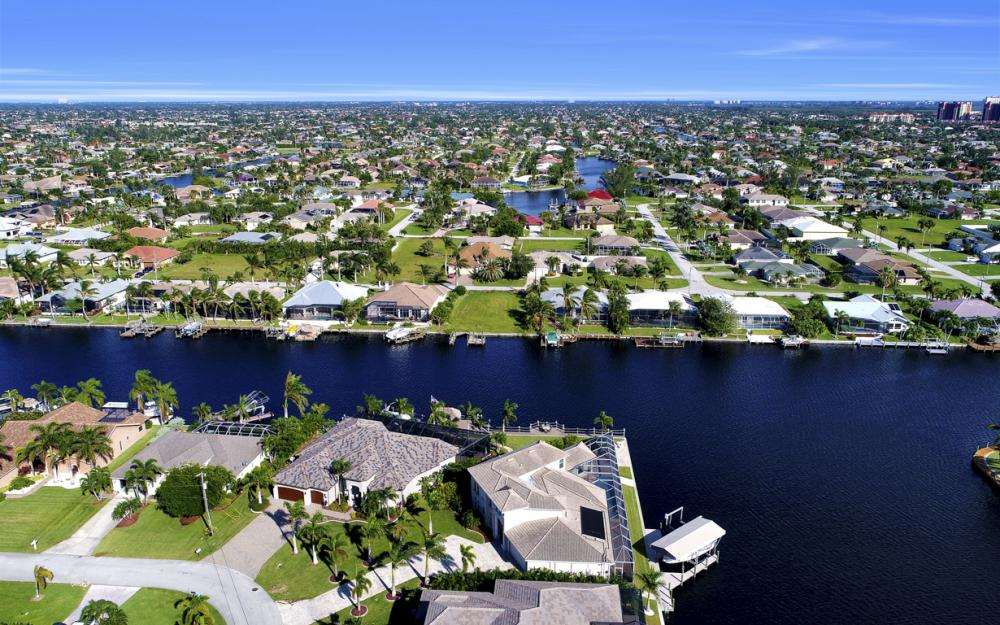 2502 SW 52nd Ln, Cape Coral - Home For Sale 896270296