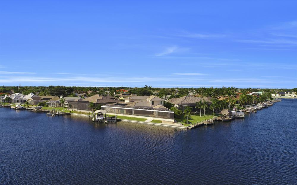 2502 SW 52nd Ln, Cape Coral - Home For Sale 273593564