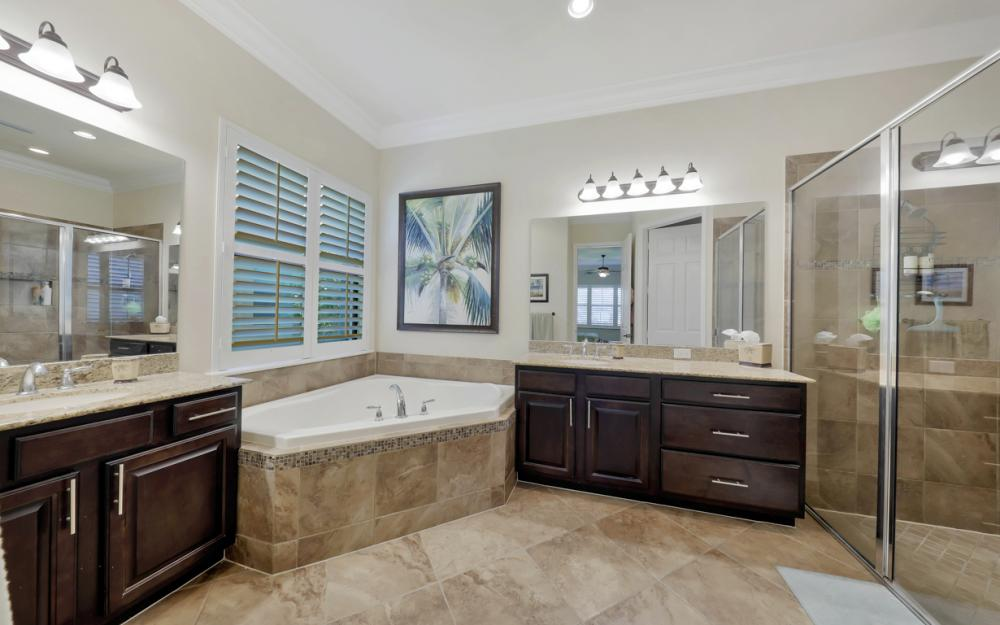 3196 Pacific Dr, Naples - Home For Sale 109381203
