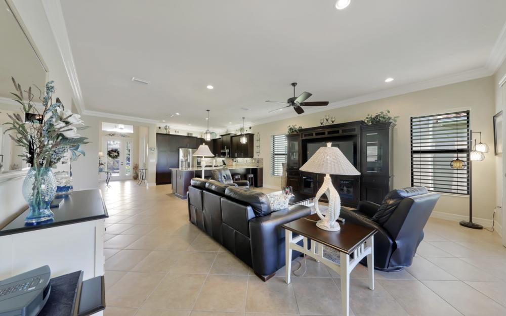 3196 Pacific Dr, Naples - Home For Sale 1069376770