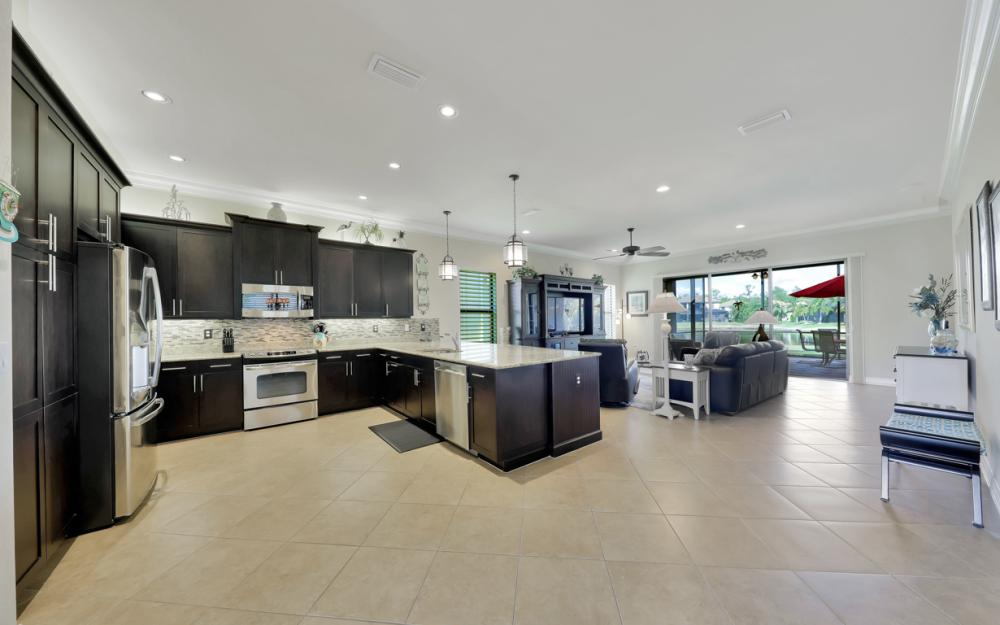 3196 Pacific Dr, Naples - Home For Sale 880130679