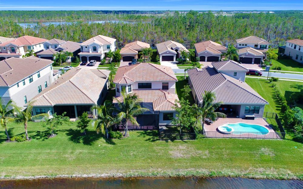 2773 Cinnamon Bay Cir, Naples - Home For Sale 1124777925