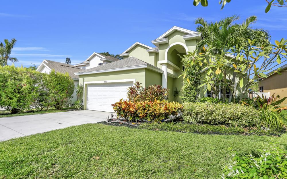 9961 Utah St, Bonita Springs - Home For Sale 92632756