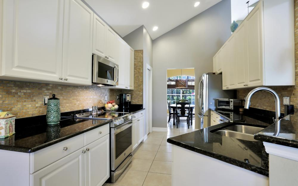 9961 Utah St, Bonita Springs - Home For Sale 54391597