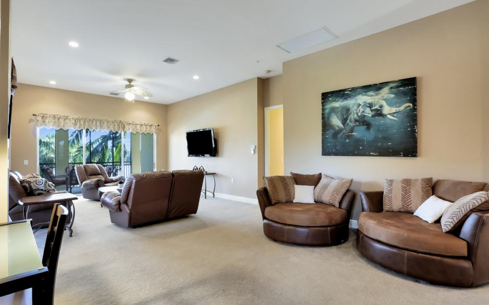 9243 Tesoro Ln #201, Naples - Home For Sale 428573480