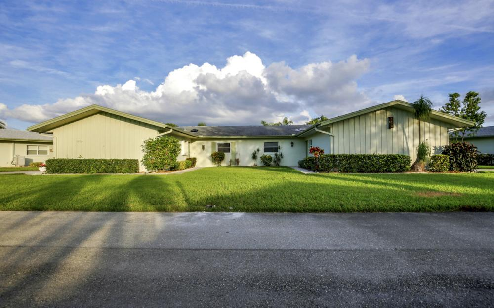 5585 Boynton Ln, Fort Myers - Home For Sale 935439385