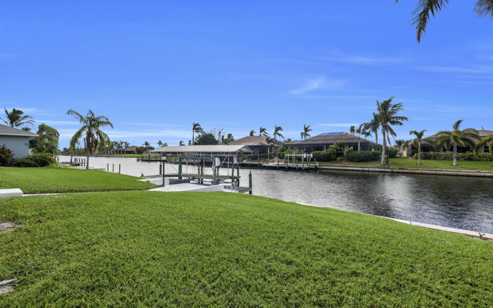 2806 SW 37th Ter, Cape Coral - Home For Sale 1742997273