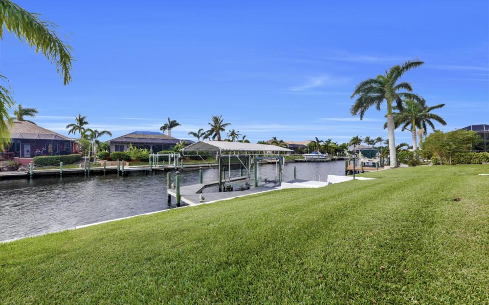 2806 SW 37th Ter, Cape Coral - Home For Sale 991699130