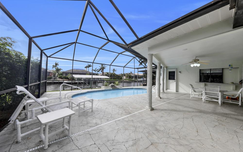 2806 SW 37th Ter, Cape Coral - Home For Sale 58363944
