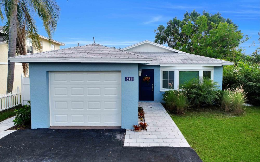 712 92nd Ave N, Naples - Home For Sale 422140605