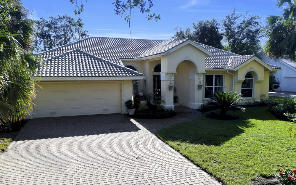 3581 Lakemont Dr, Bonita Springs - Home For Sale 1164185102