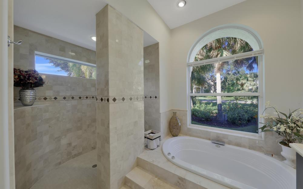 3581 Lakemont Dr, Bonita Springs - Home For Sale 1340935715
