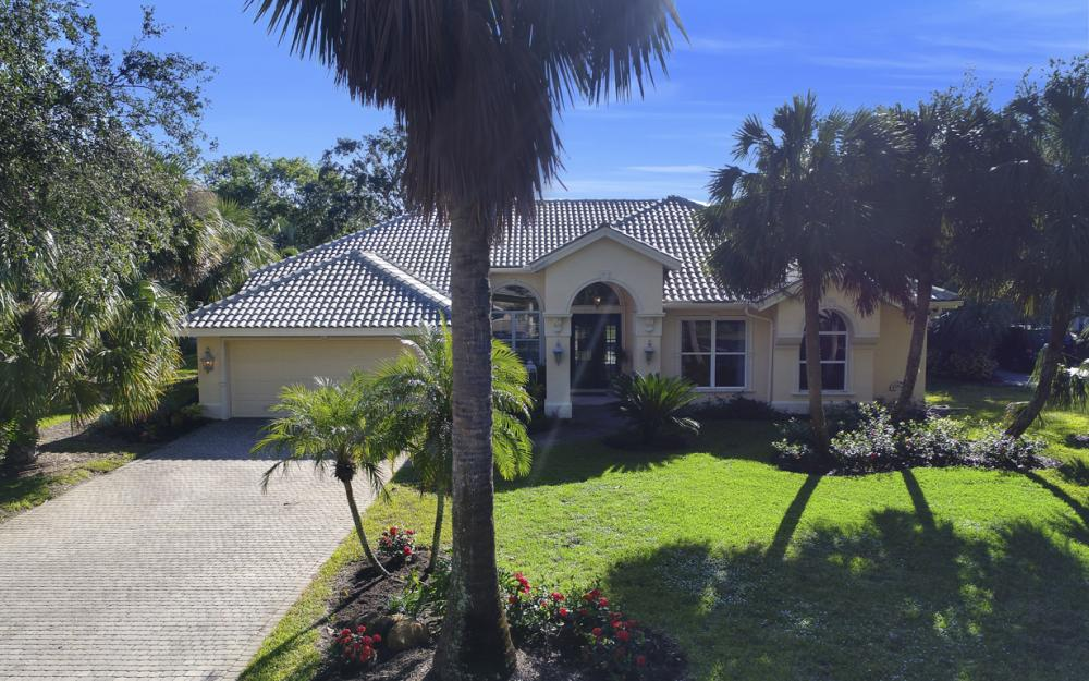 3581 Lakemont Dr, Bonita Springs - Home For Sale 984835644