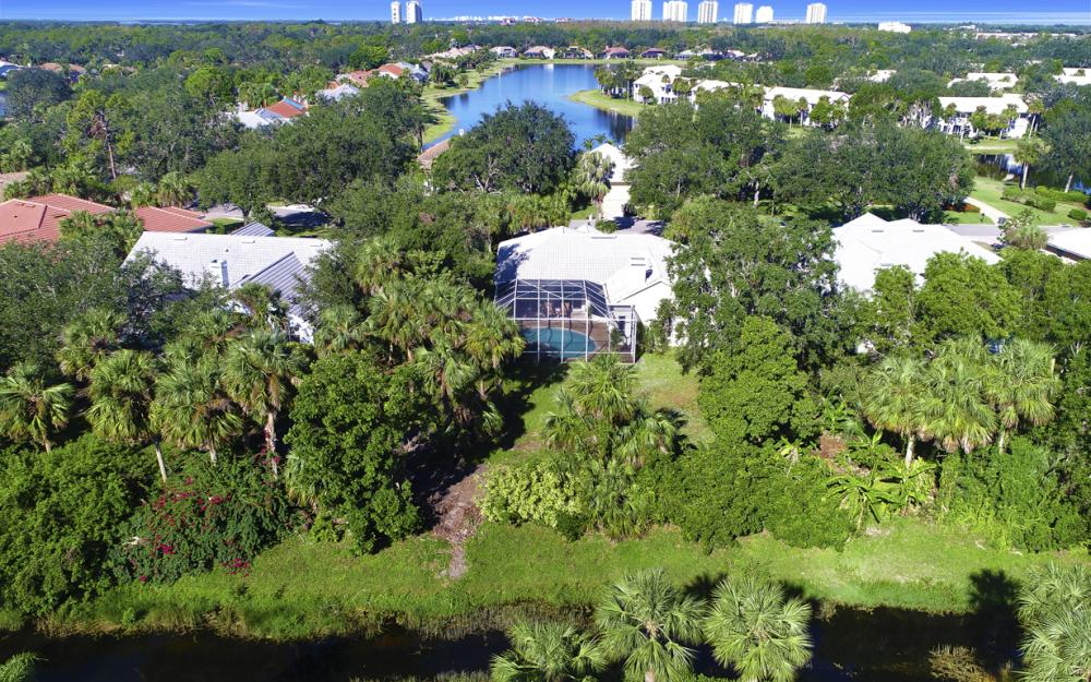 3581 Lakemont Dr, Bonita Springs - Home For Sale 379994755