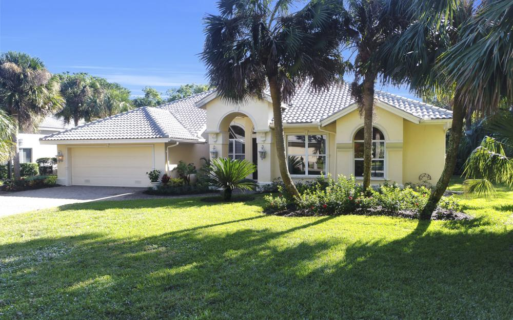 3581 Lakemont Dr, Bonita Springs - Home For Sale 686835962