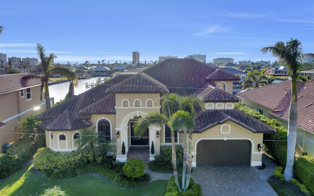260 Edgewater Ct, Marco Island - Home For Sale 162714157