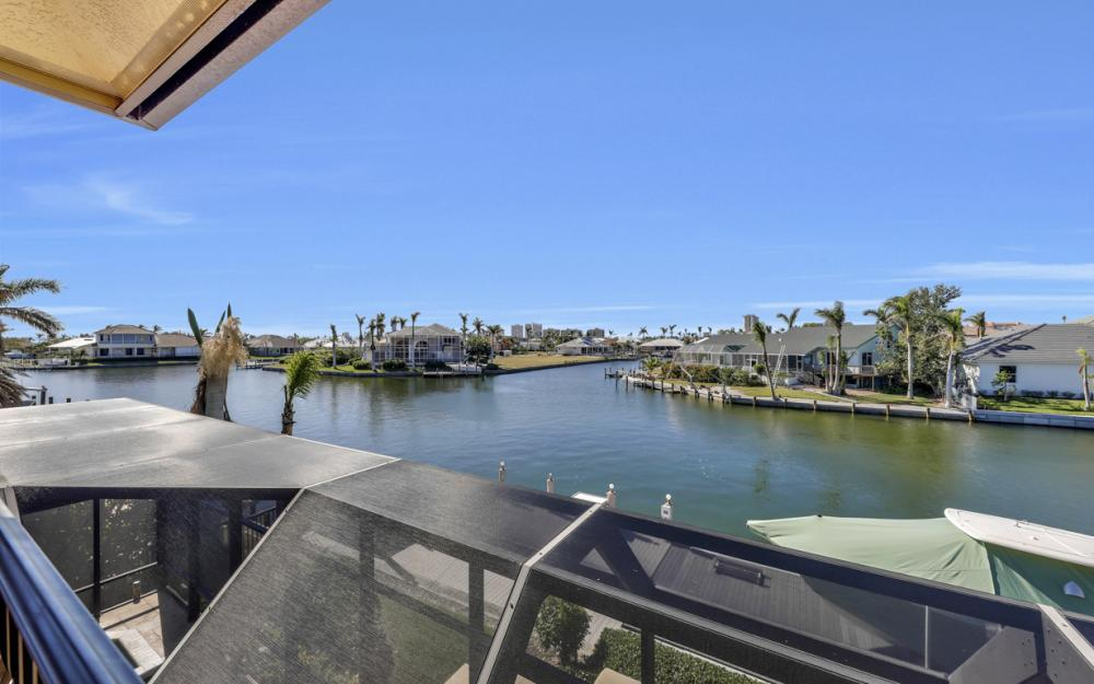 260 Edgewater Ct, Marco Island - Home For Sale 1036134904