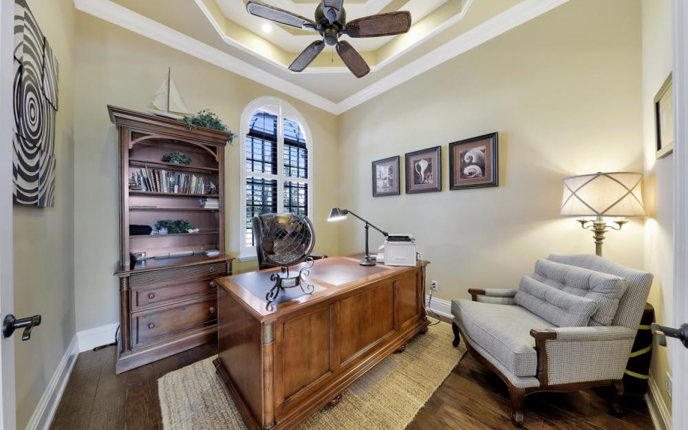 260 Edgewater Ct, Marco Island - Home For Sale 2022022285