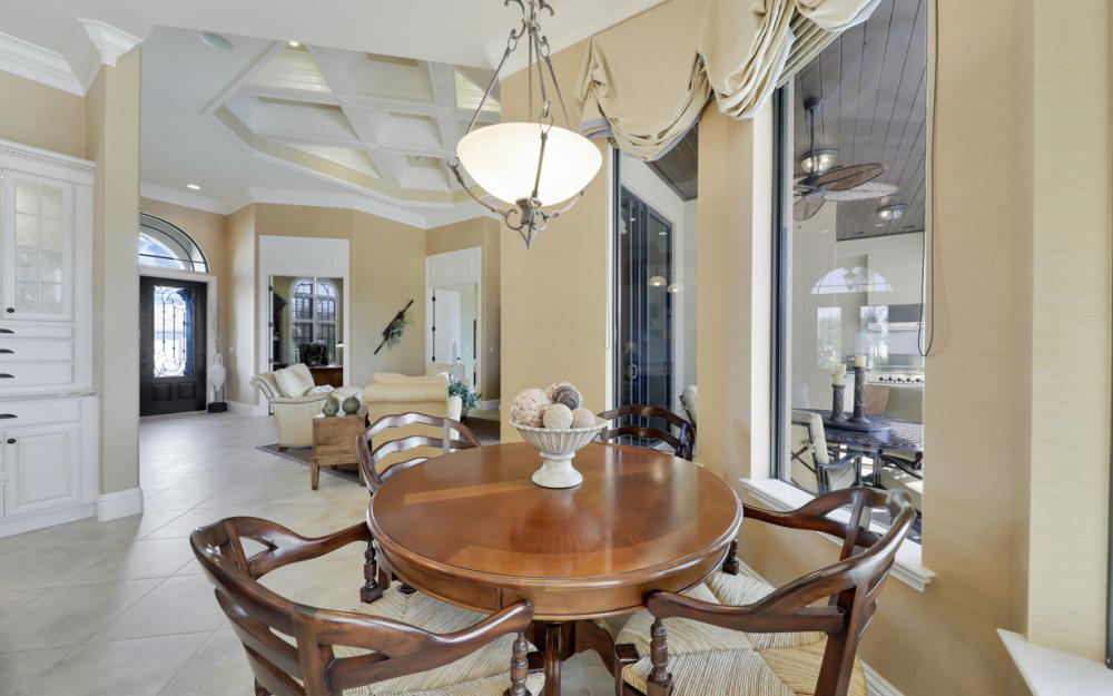 260 Edgewater Ct, Marco Island - Home For Sale 524230266