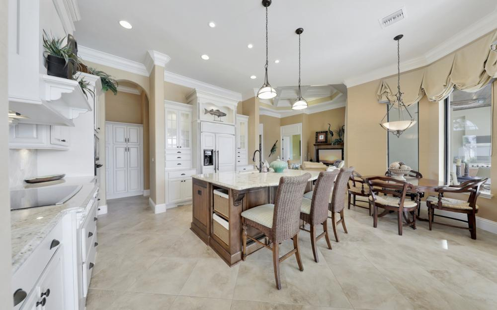 260 Edgewater Ct, Marco Island - Home For Sale 1293665165