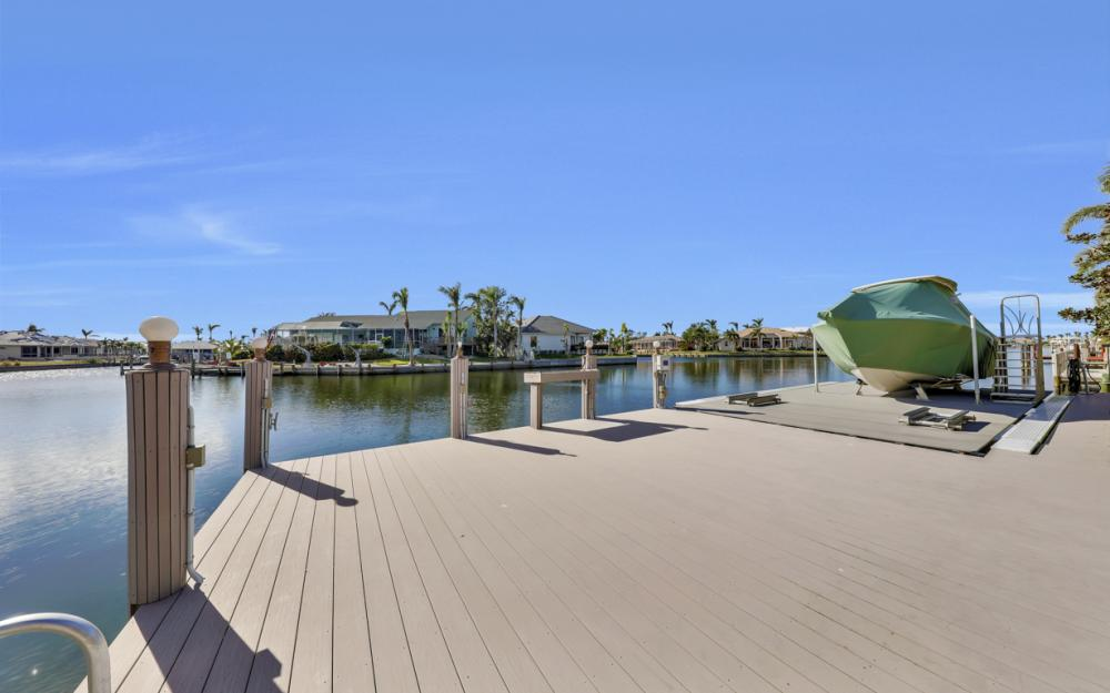 260 Edgewater Ct, Marco Island - Home For Sale 421917645