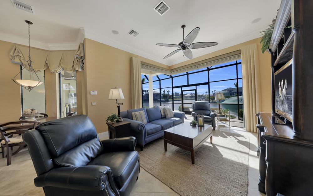 260 Edgewater Ct, Marco Island - Home For Sale 152710430