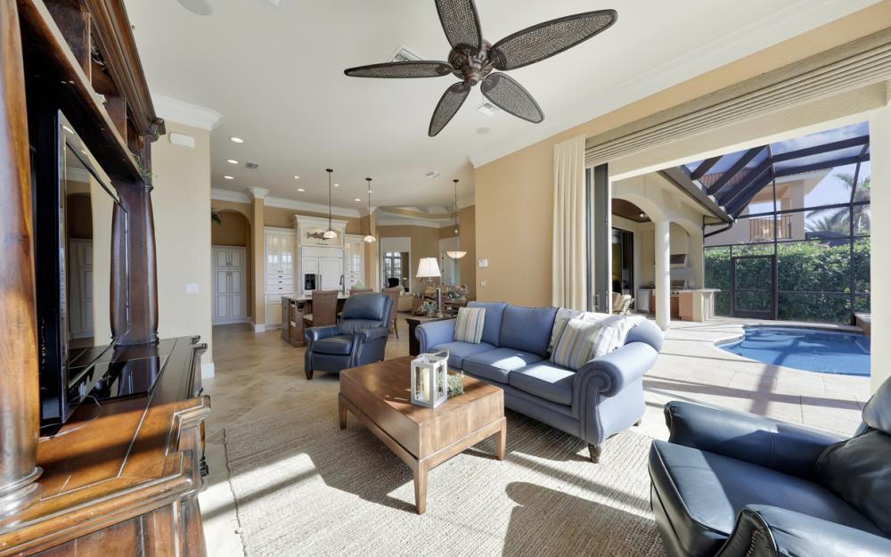 260 Edgewater Ct, Marco Island - Home For Sale 171379115