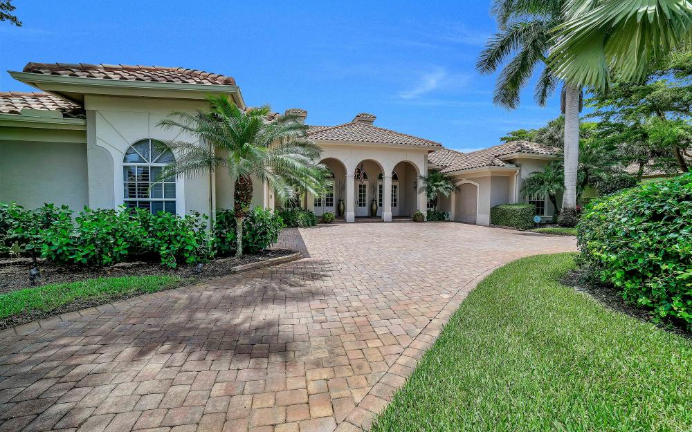 9421 Lakebend Preserve Ct, Bonita Springs - Home For Sale 1812013523