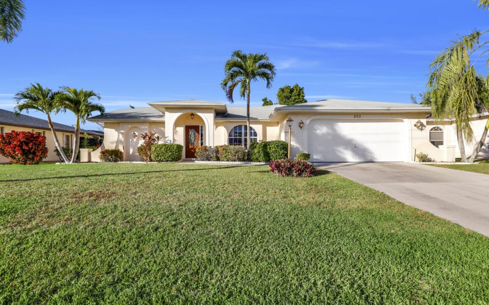 203 SE 17th St, Cape Coral - Home For Sale 1728327354