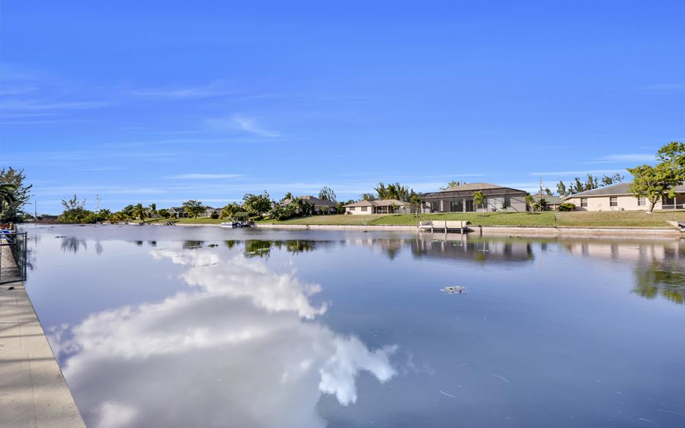 203 SE 17th St, Cape Coral - Home For Sale 1544779968