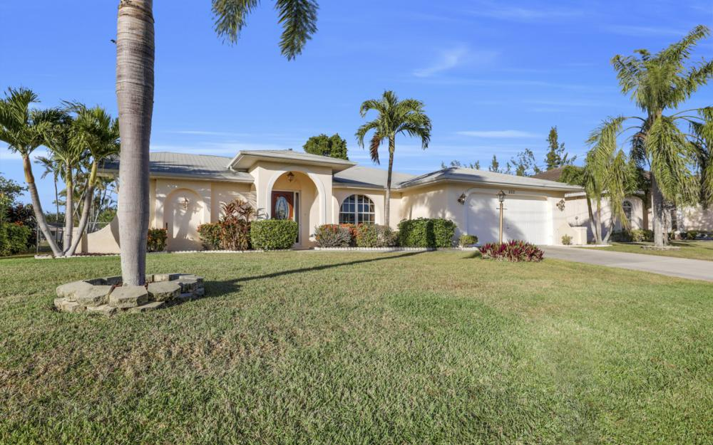 203 SE 17th St, Cape Coral - Home For Sale 486602050