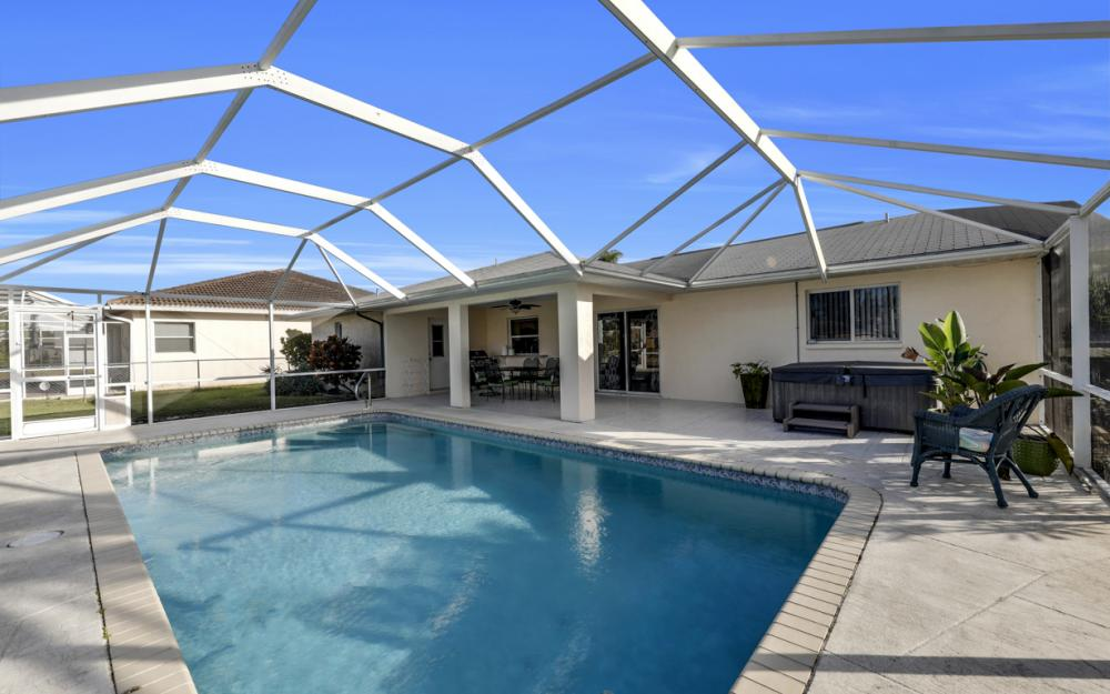 203 SE 17th St, Cape Coral - Home For Sale 200911659