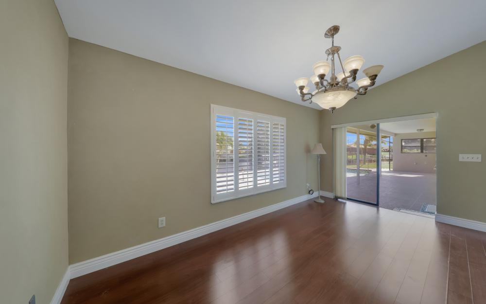 1717 SW 41st St, Cape Coral - Home For Sale 384558588