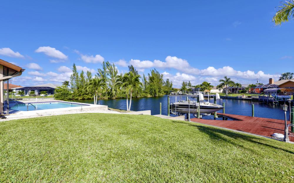 1717 SW 41st St, Cape Coral - Home For Sale 179987463