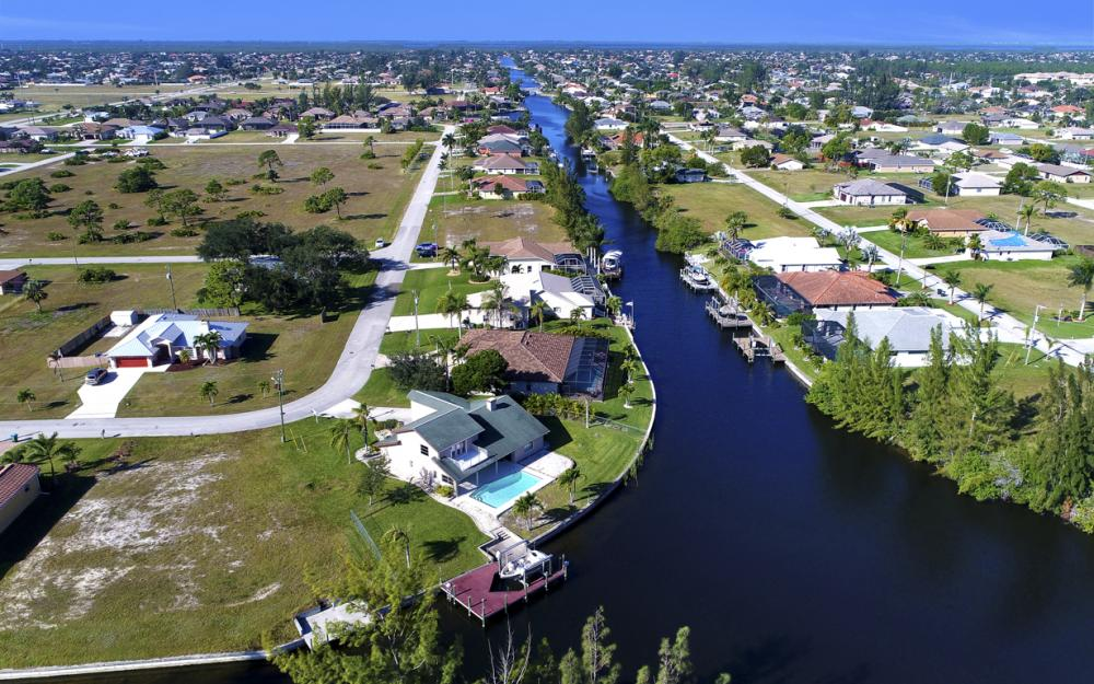 1717 SW 41st St, Cape Coral - Home For Sale 1224545794