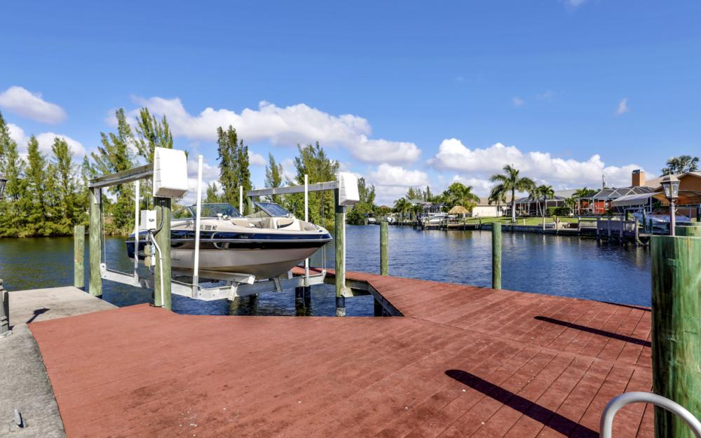 1717 SW 41st St, Cape Coral - Home For Sale 1459472159