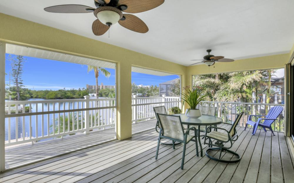 4865 Regal Dr, Bonita Springs - Home For Sale 632652052
