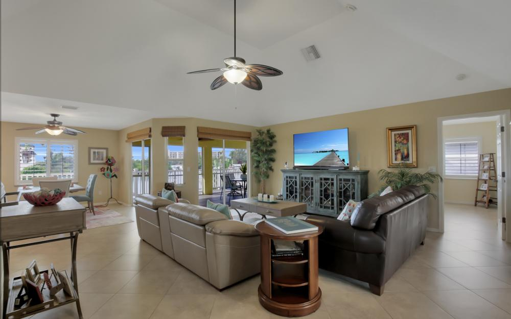 4865 Regal Dr, Bonita Springs - Home For Sale 1732938676