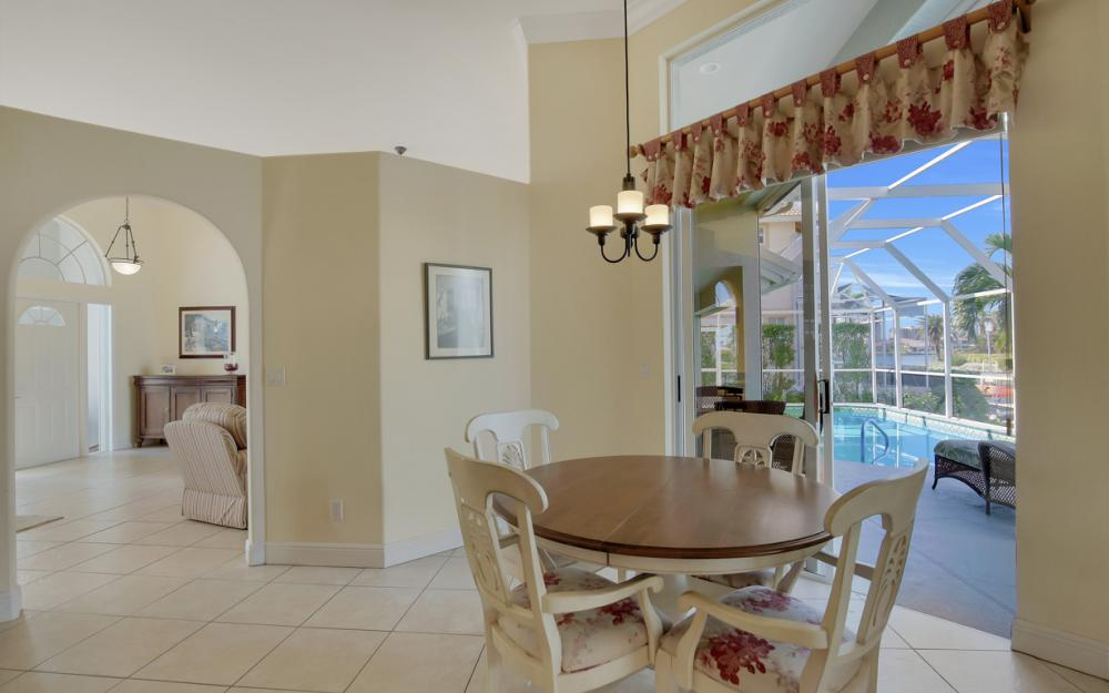 1050 Coronado Ct, Marco Island - Home For Sale 14619047