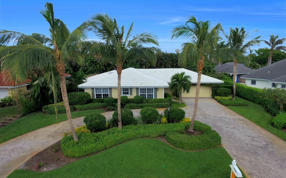715 Ketch Dr, Naples - House For Sale 328115005