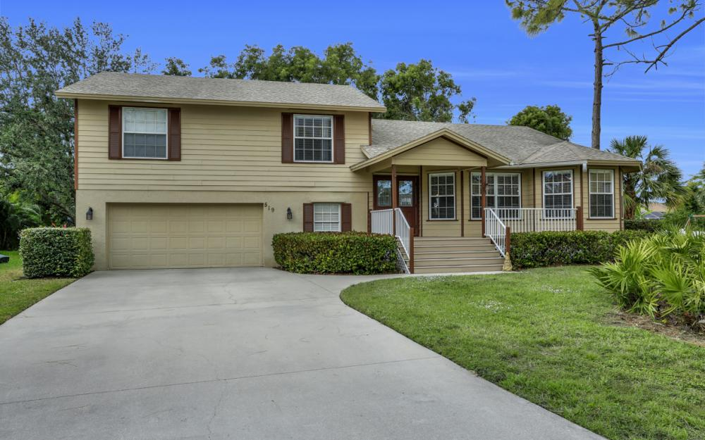 519 Chatham Cir, Naples - Home For Sale 2084328598