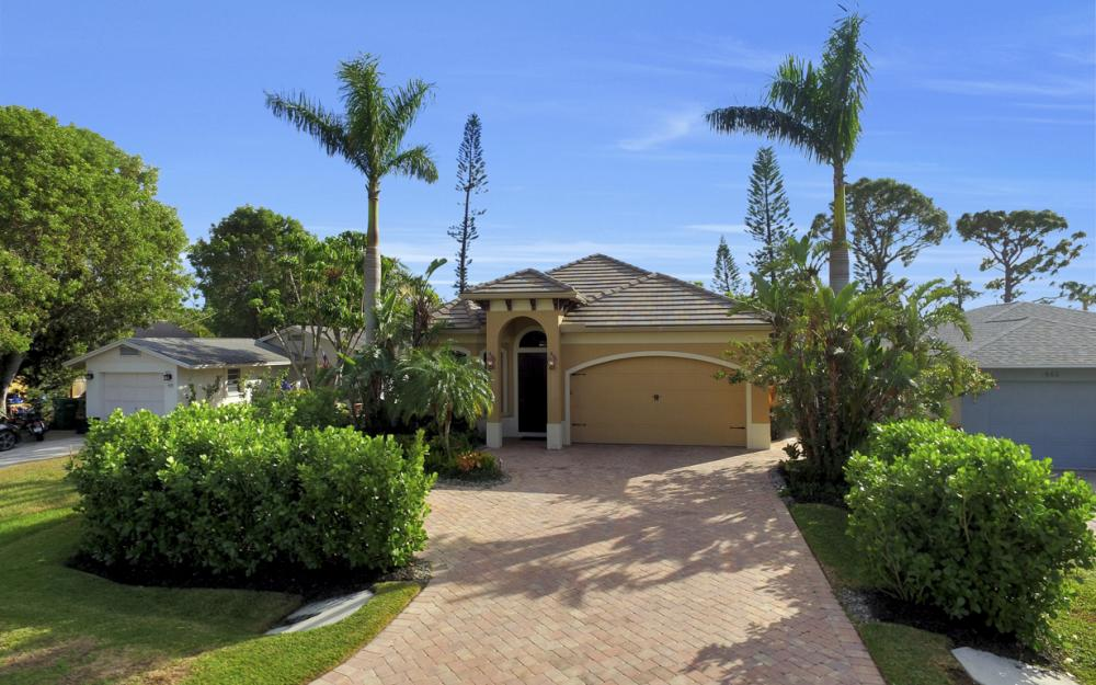 664 106th Ave N, Naples - Home For Sale 1038456966
