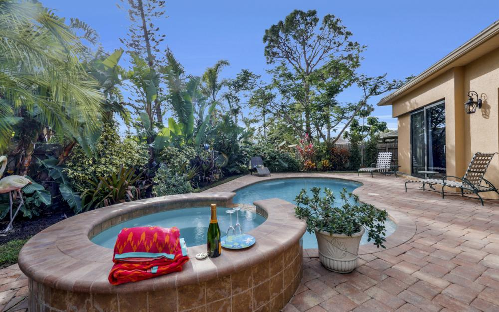 664 106th Ave N, Naples - Home For Sale 241151563