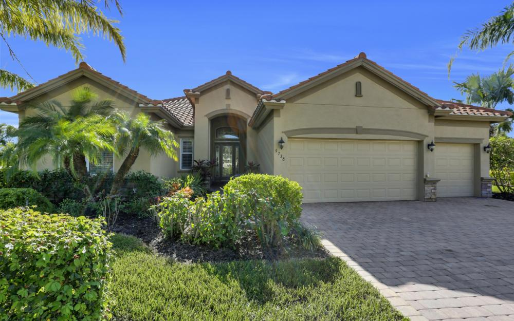 9738 Nickel Ridge Cir, Naples - Home For Sale 2137638881